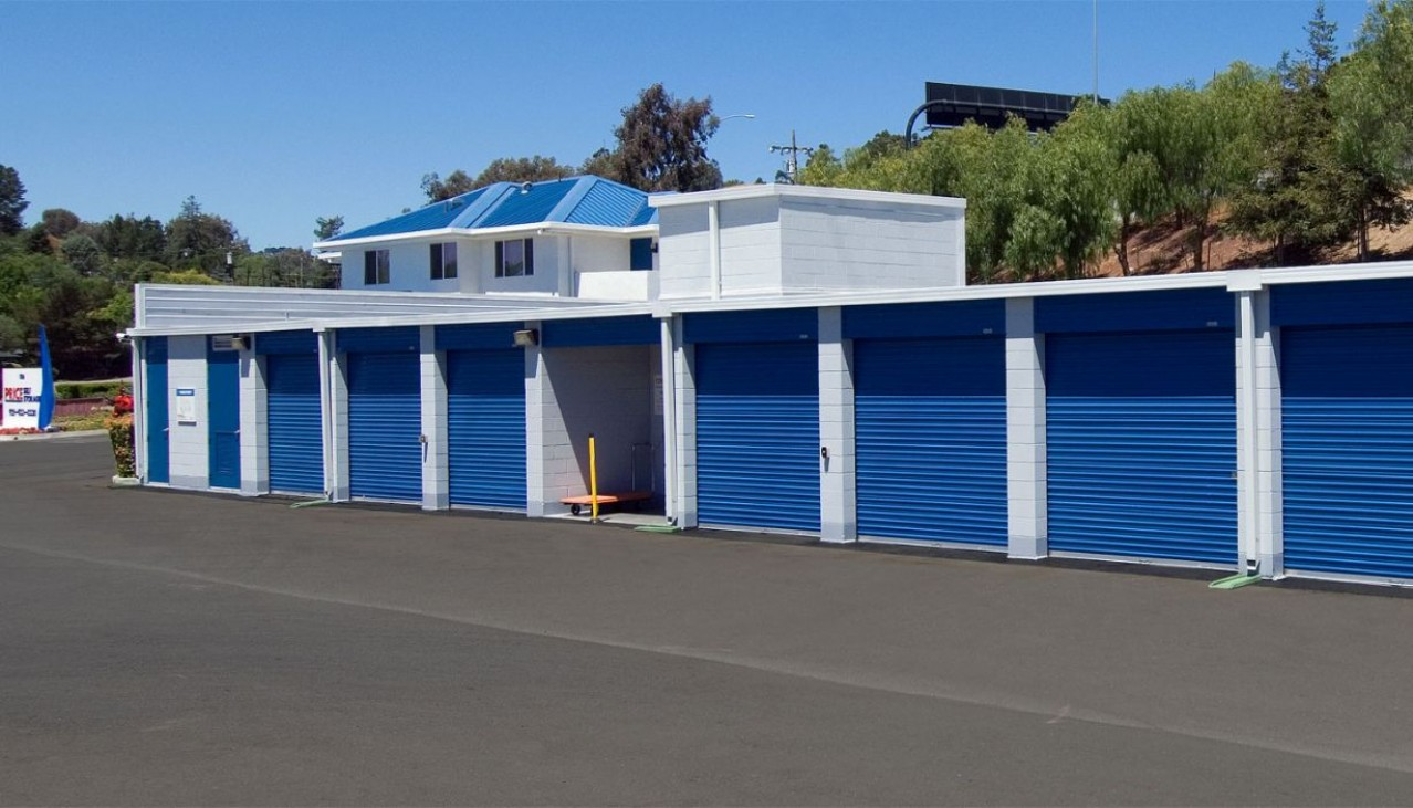 Price Self Storage Walnut Creek drive up access storage units with roll up doors