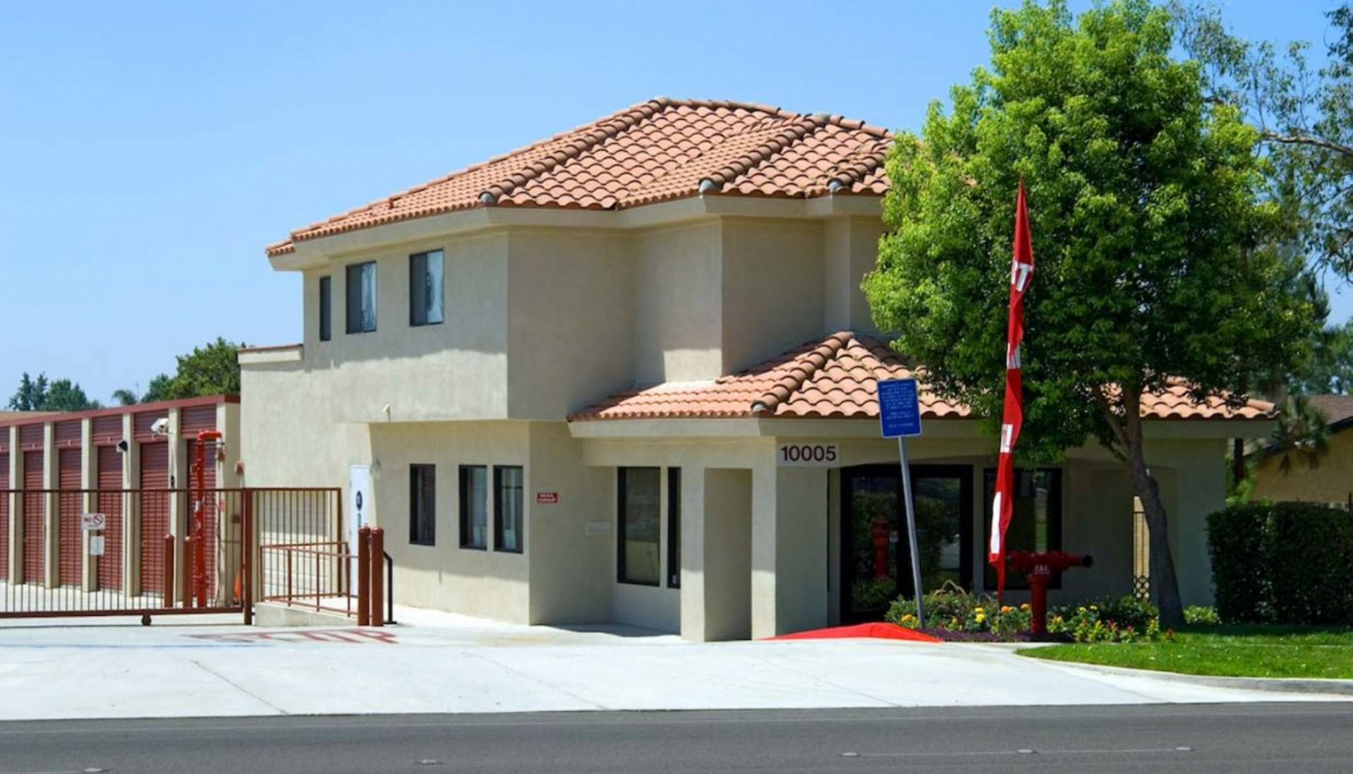 Price Self Storage Rancho Cucamonga Arrow Route rental office street view