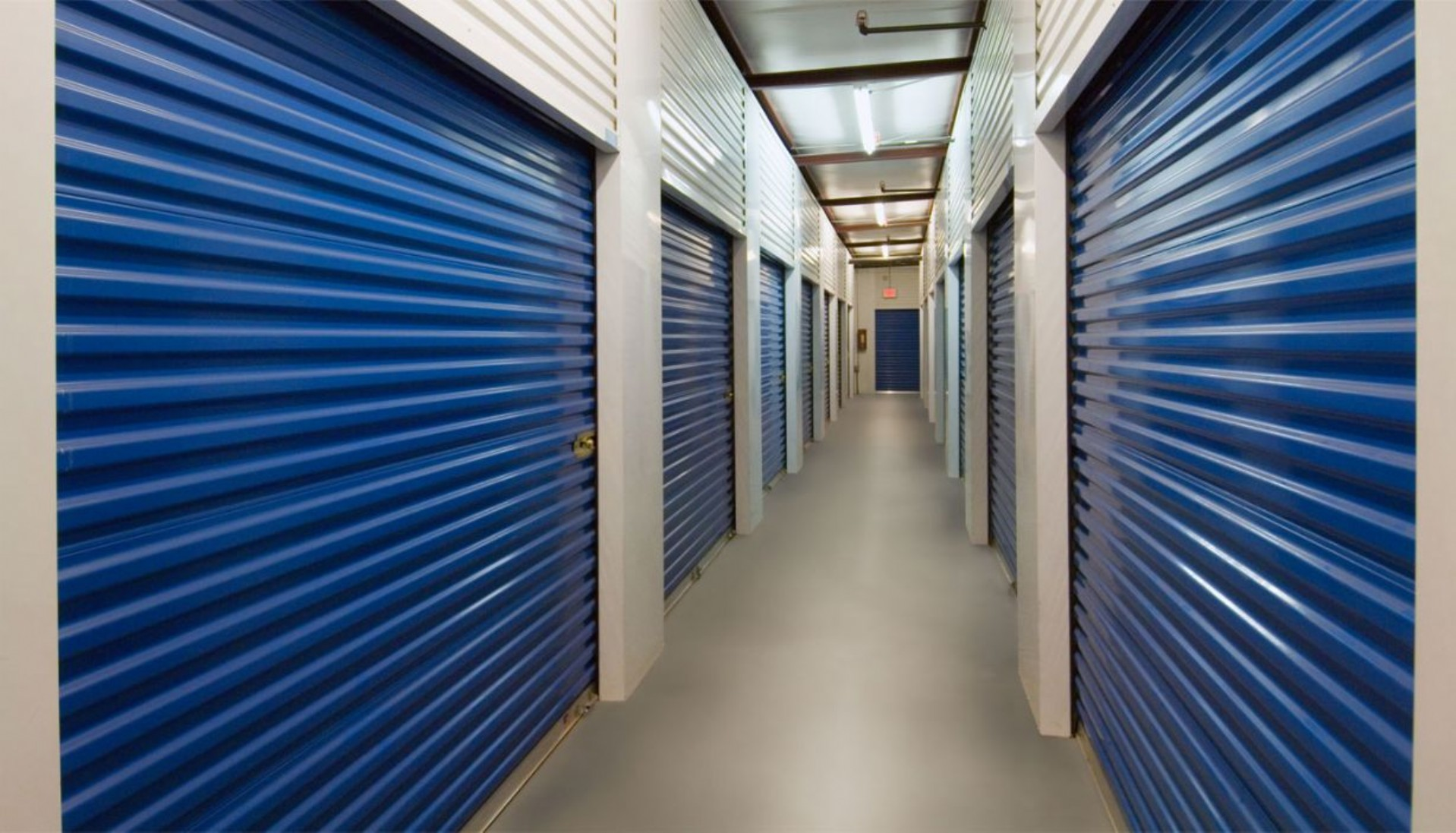 Price Self Storage Azusa interior hallway ground floor storage units