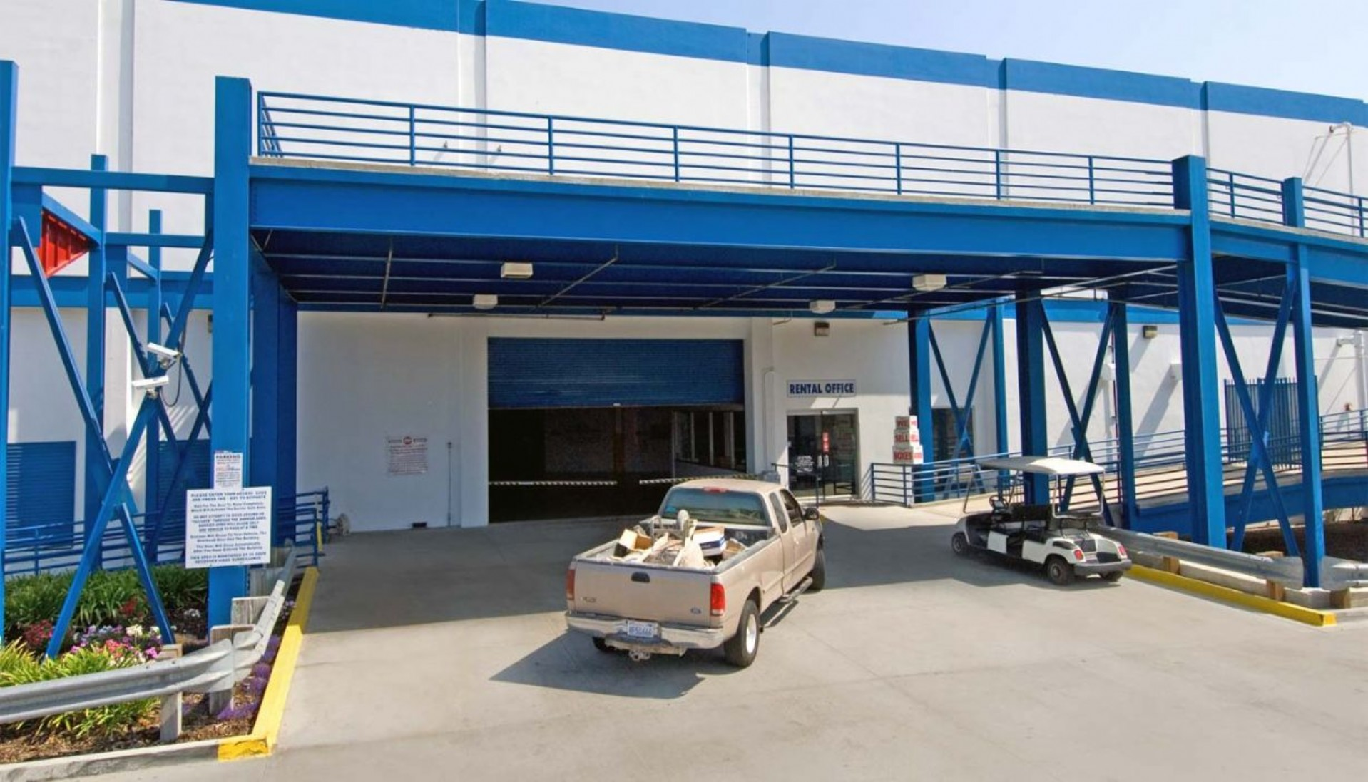 Price Self Storage West Los Angeles La Brea Avenue 400,000 sq.ft. drive in storage facility - drive your vehicle inside right up to your storage unit